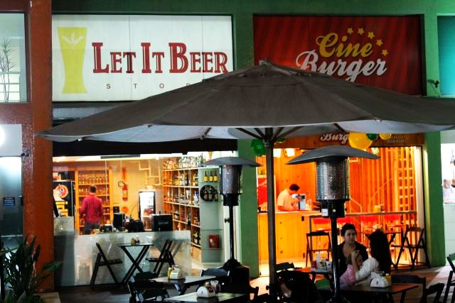 Área compartilhada, boas cervejas e boa comida.