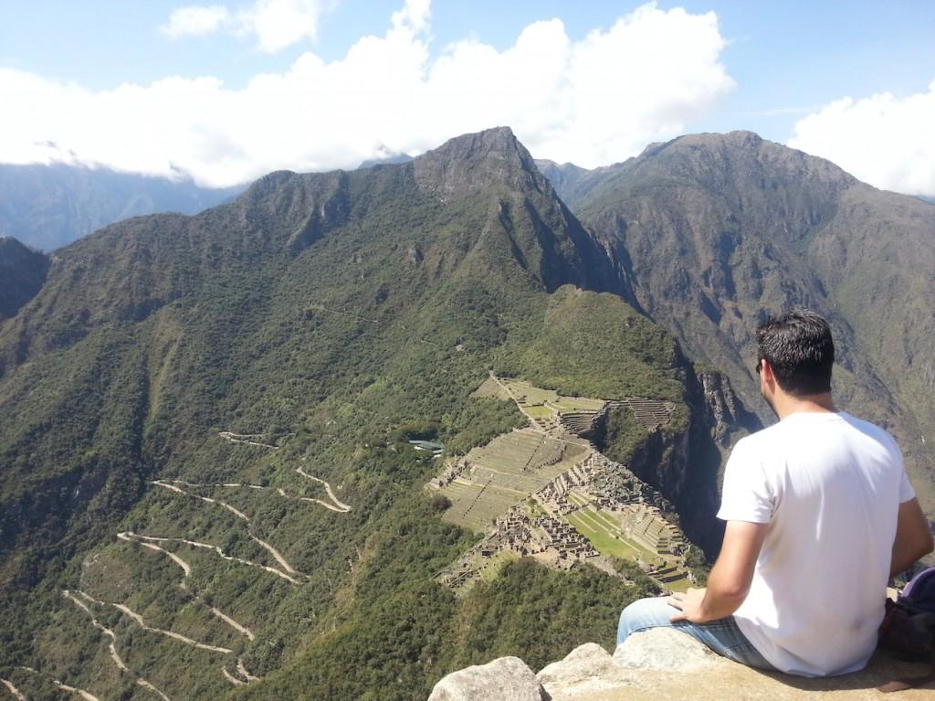 Machu Picchu lá embaixo e a desanimadora ideia de ter que descer tudo o que subiu