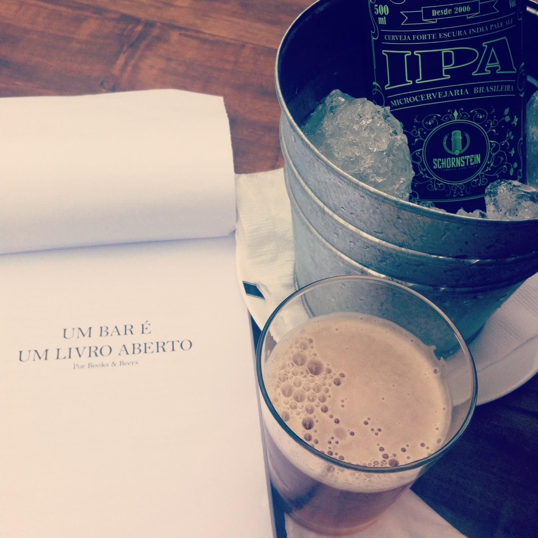 Um bar é um livro aberto