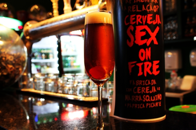 Saison Sex on Fire com cereja marrasquino e páprica picante