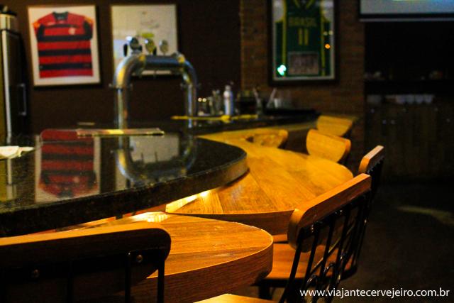 O balcão de um bar é sempre um protagonista