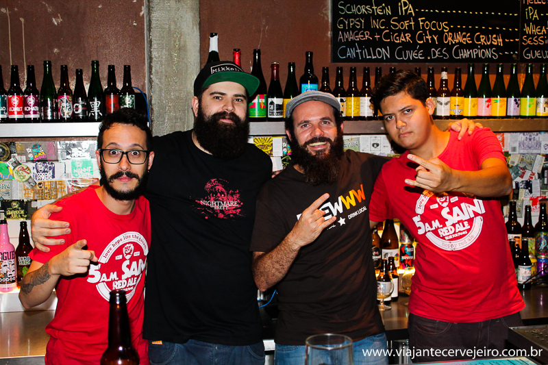 Com a galera do Bar Brewdog SP