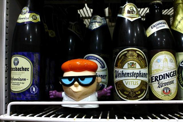 Dexter indicando uma boa cerveja