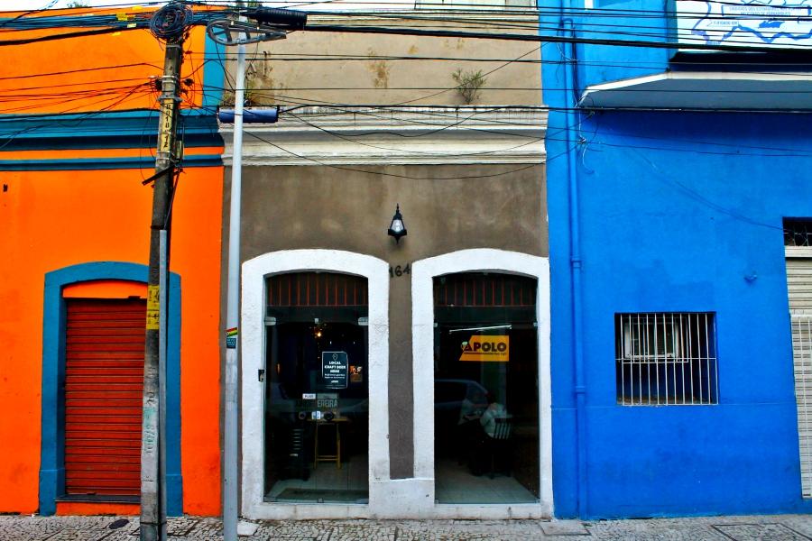 Fachada. Prédio da década de 30 no Recife Antigo